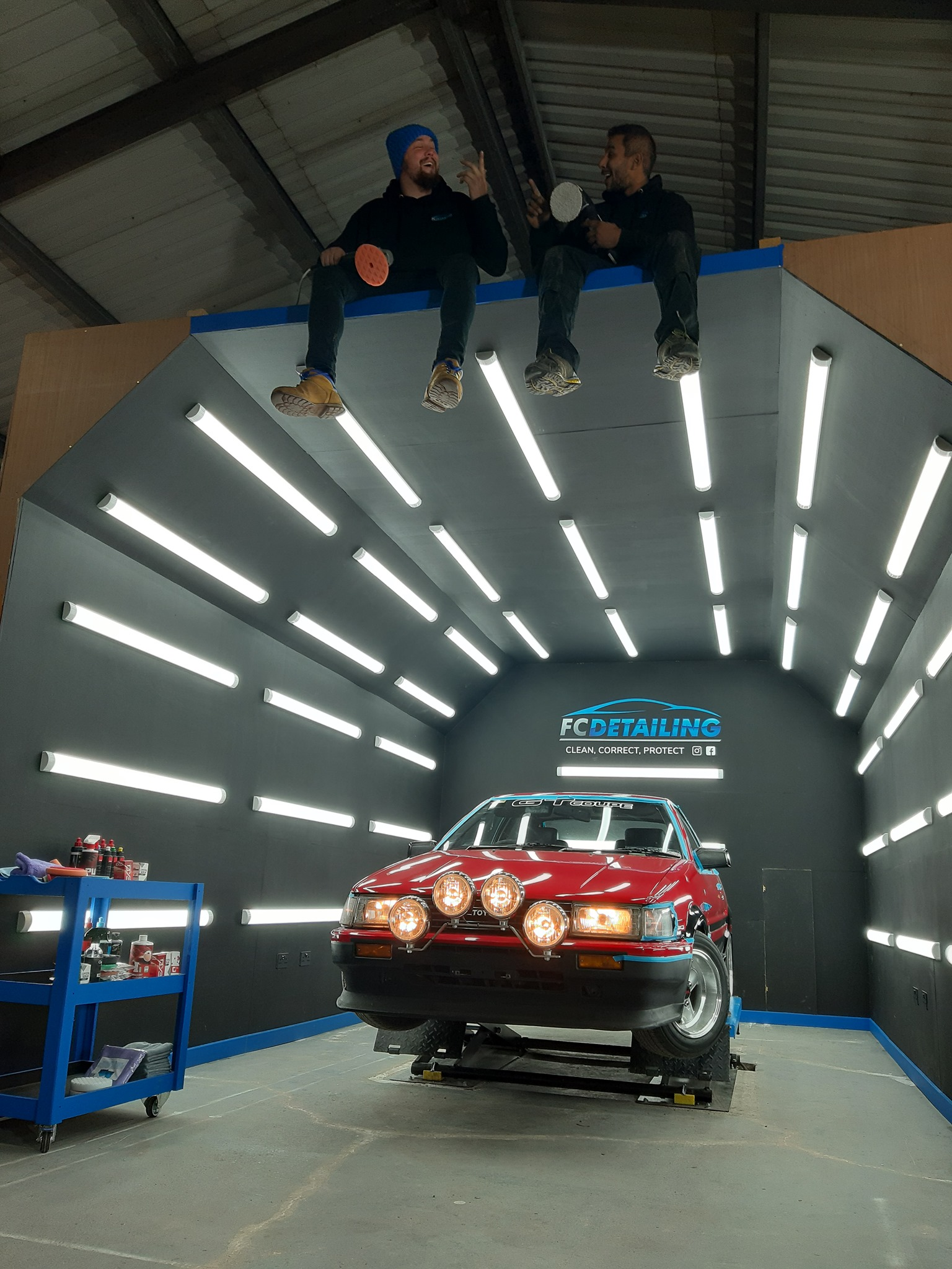 Official Ford dealership. Bandon Motors in Bandon, uselesspenguin.co.uk